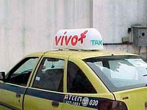 a telefonia vivo escolheu a midia em táxi
