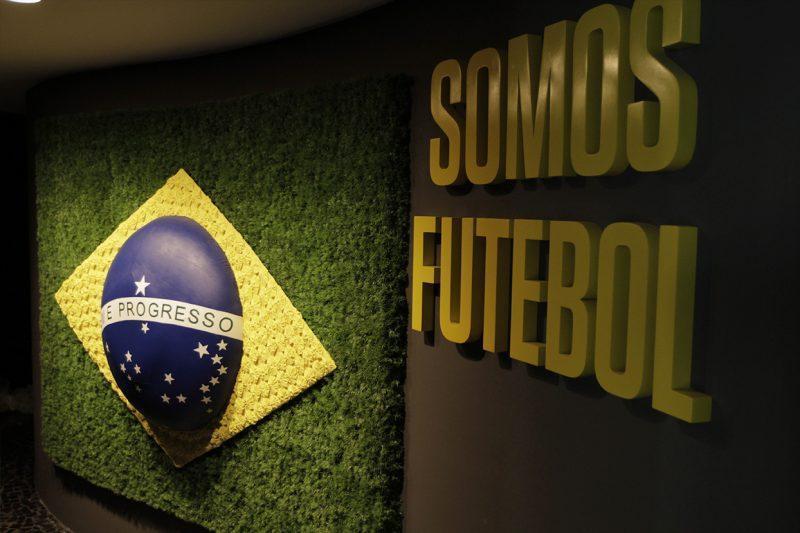 taxi farol Museu da Seleção Brasileira nos Táxis da FAROL Mídia em Táxi