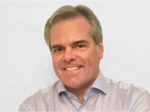 James D´arcy Executivo Comercial da Farol Mídia em Táxi
