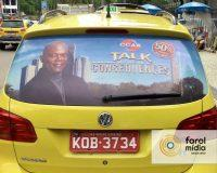 ccaa usa a midia em taxi para anunciar